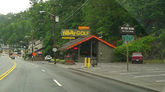 Hillbilly Golf : Street View