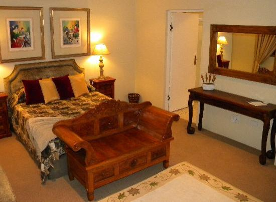 Kingston House B&B: Ndlovu Room