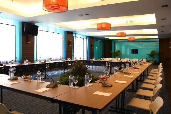เดอะ เบย์วิว: Meeting Room
