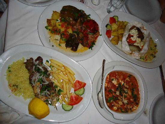 Vasilis Restaurant: suvlaki ed altri secondi