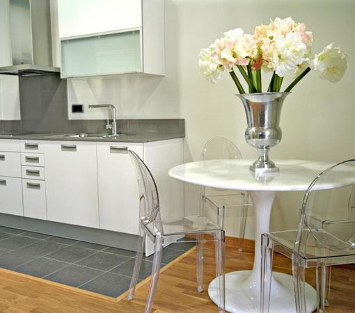 Splendom Suites: The spacious Kitchen with all new appliances