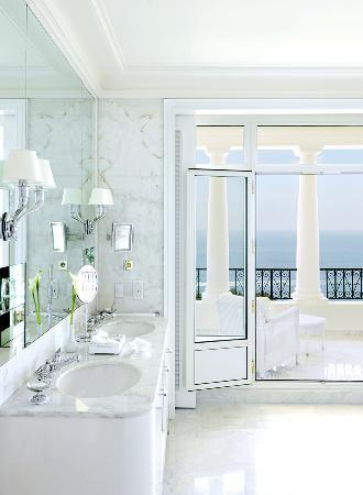 Grand-Hotel du Cap-Ferrat: Suite Bathroom