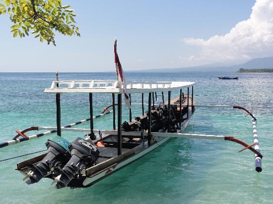 Manta Dive Gili Air Resort: Diving Boat