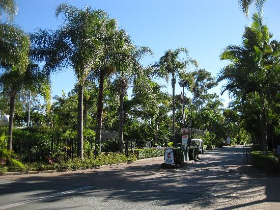 NRMA Treasure Island Holiday Resort: Entrance