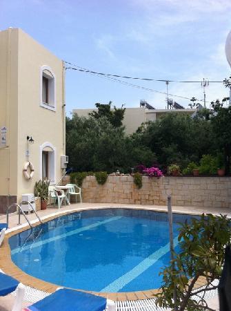 Matheos Apartments: pool