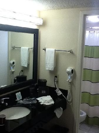 Fairfield Inn Boston Dedham: Low ceilings in bath area, but it gets the job done