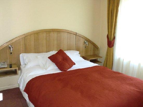 Apart Hotel La Fayette: ベッドルーム