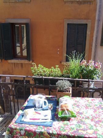 Apple Suite Bed & Breakfast: colazione in terrazza