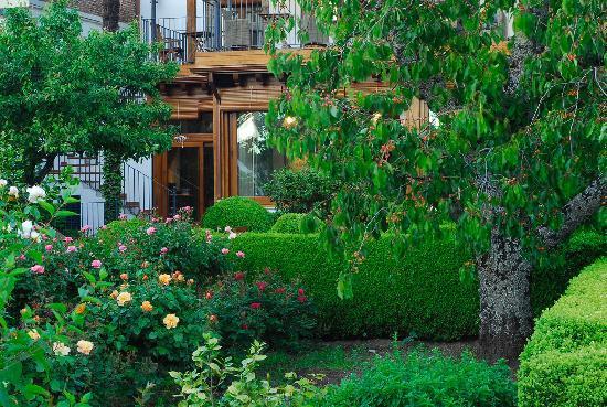El jardin del convento herv s provincia de c ceres for Jardin del convento