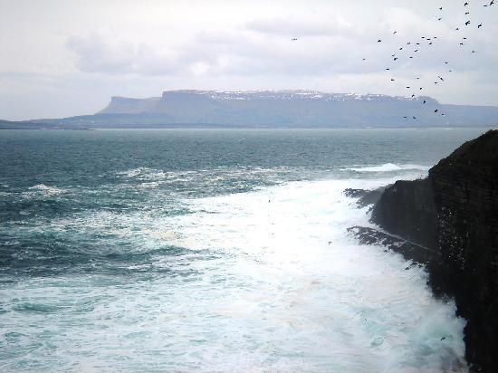 Aughris Cliff Walk: Benbulbin Mounain range