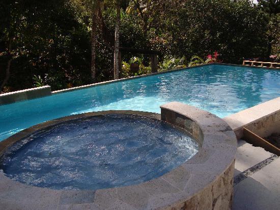 La Dauphine Estate: New Pool