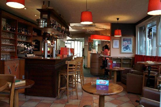 Ibis Calais : le bar