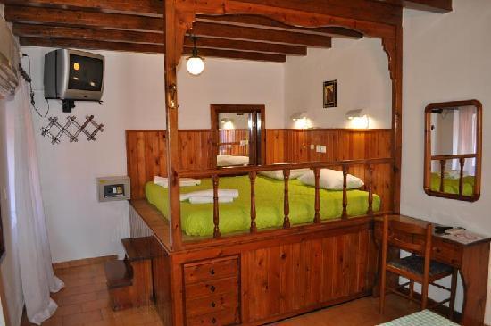 Symi Garden Studios: Unique Bedrooms
