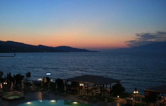 Alykanas, Grækenland: evening view from the Alkanas Beach hotel