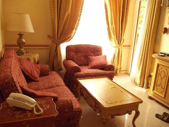 Villa Gabriella: The Lounge