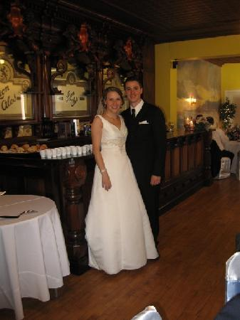 The Parador Inn of Pittsburgh: Our Wedding at The Parador