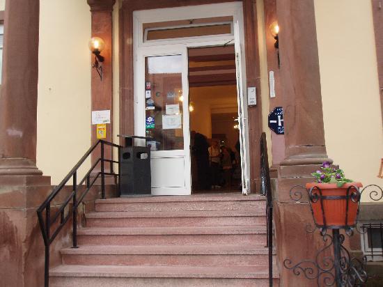 Le Grand Hotel de Munster : Voila l'entrée du Grand hotel