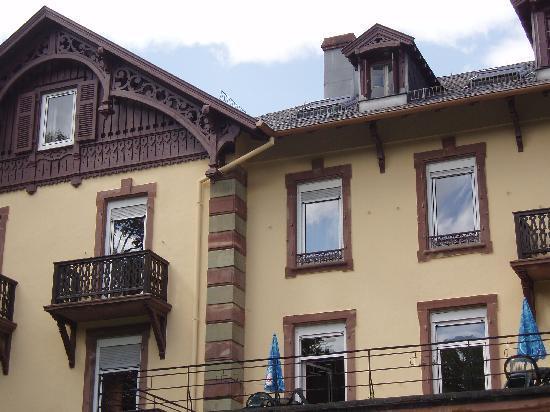 Le Grand Hotel de Munster : celle du haut où la fenêtre est ouverte