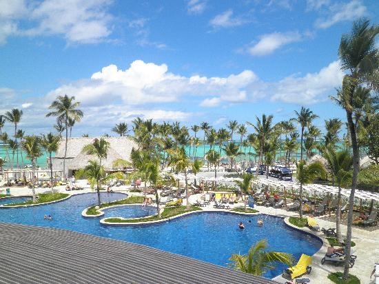 Barcelo Bavaro Palace: View of the Palace pool from 2nd floor Seafood restaurant.