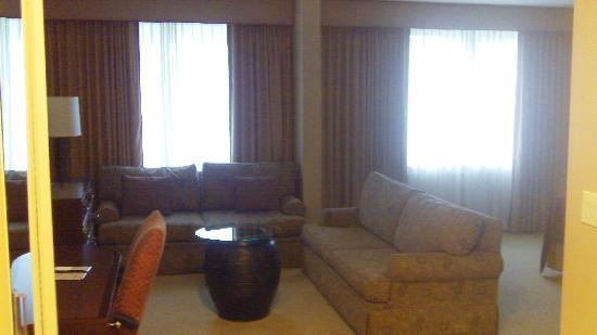 Doubletree by Hilton Hotel Tarrytown: Suite Pic 3