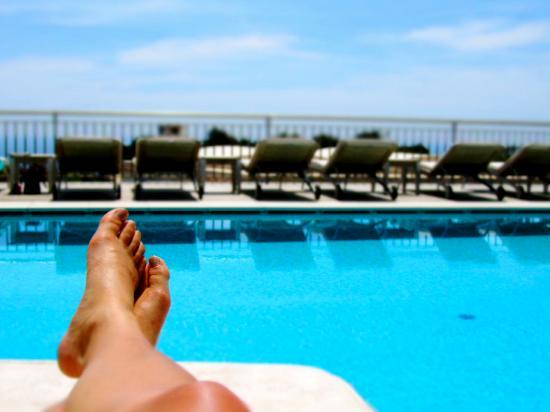 Hotel Canasta: Relaxing by the beautiful pool!