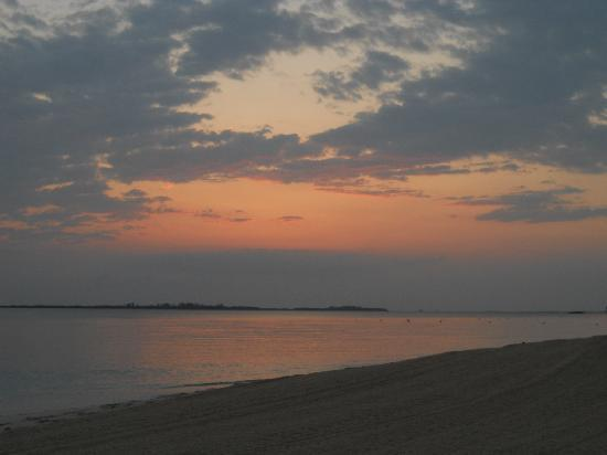 Nassau, Isola Nuova Providence: Beginning of sunrise on Cabbage Beach