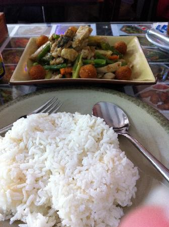 Nyonya Malaysia Express: Rendang ayam with rice