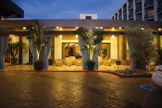 Crowne Plaza Redondo Beach And Marina  N Harbor Dr