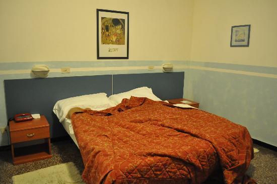 Hotel Assarotti: la stanza