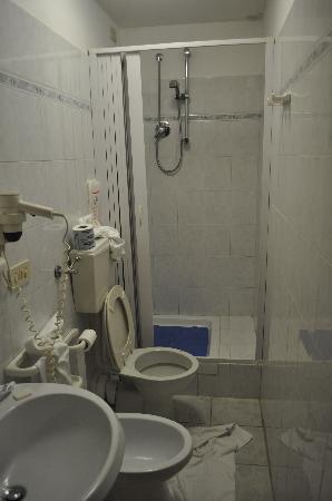 Hotel Assarotti: bagno