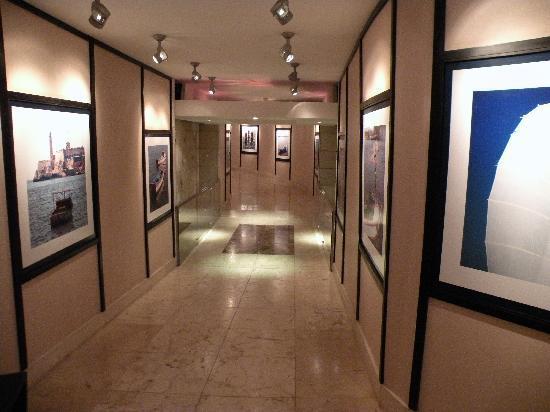 Iberostar Parque Central: Underground tunnel in the hotel