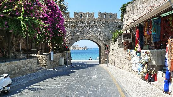 Meliton Hotel : One of the beuatiful gated entrances to Rhodes old town.