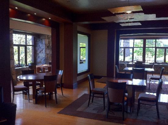 English Inn: Dinning room