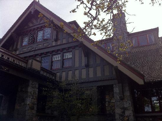 English Inn: Manor