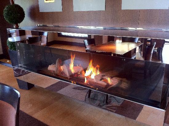English Inn: Fireplace