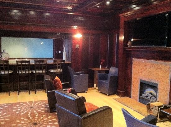 English Inn: Lounge