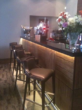 Hotel Kylestrome Bar & Grill: hotel bar