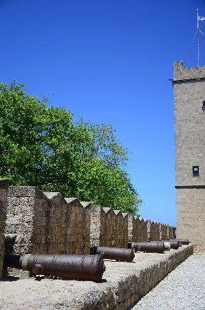Palace of Grand Master of Knights: Cannons