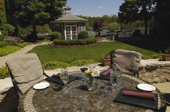 The Herrington Inn & Spa: Dine al fresco