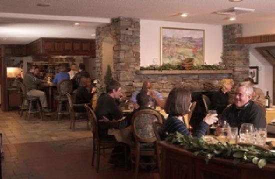 River Tavern at Hawk Resort: Main Dining Room