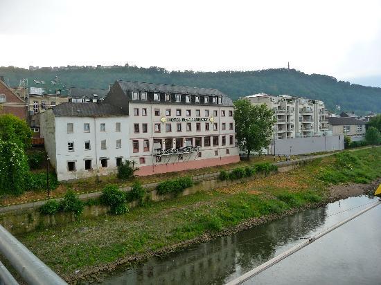 Hotel Römerbrücke: the hotel from the Romberbrucke