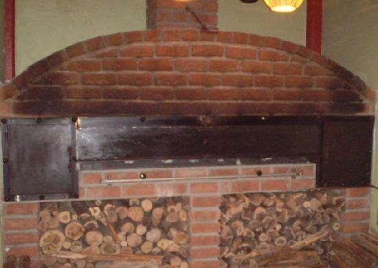Sim's Pizzeria & Sports Bar: the wood oven