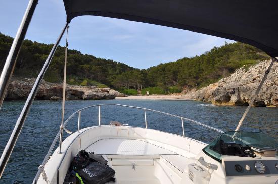 Menorca en Barco : cala fustam