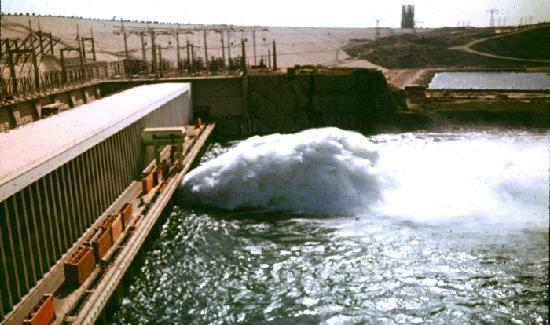 Assouan, Égypte : Der Nassersee wird aufgestaut und der Unterlauf bewässert