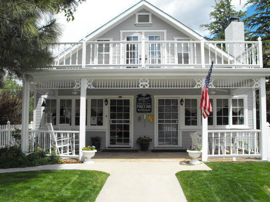 Prescott Pines Inn Bed and Breakfast: Prescott Pines Inn front