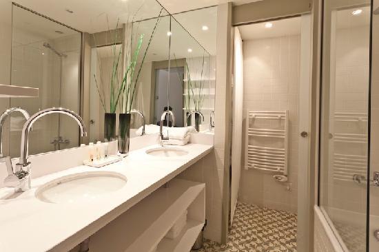 Palauet Tres Torres: lavabo