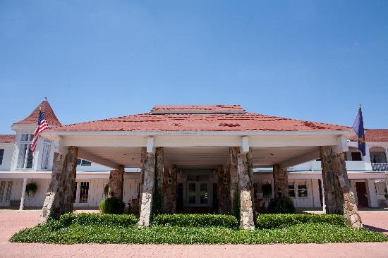 Gulf Hills Hotel & Conference Center: Front Entrance