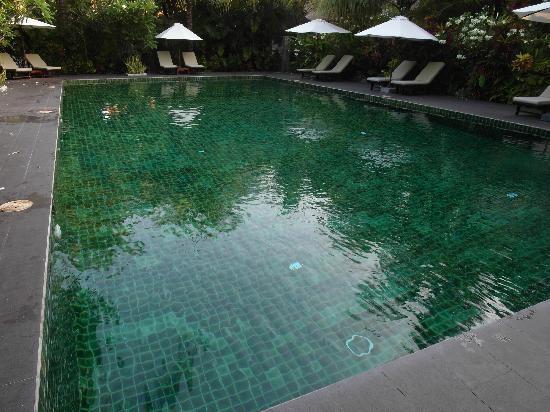 Cham Villas Resort Pool