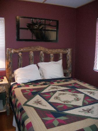 Triple R Cottages : Very comfortable, cozy bedroom
