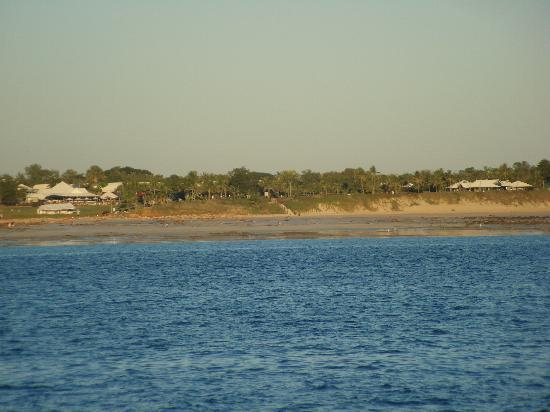 Intombi Pearl Lugger Cruise: The view from the boat to Broome Surf Club